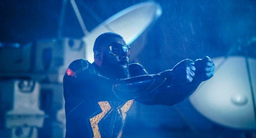 CW超级英雄美剧再少一部!《黑闪电》第四季为最终季
