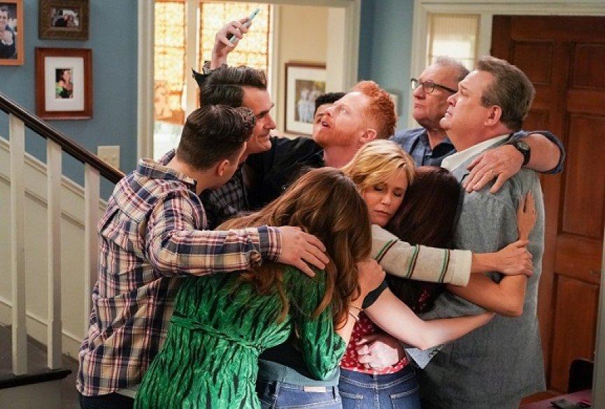《摩登家庭》完结篇创3年收视新纪录!主创谈结尾情节与衍生剧