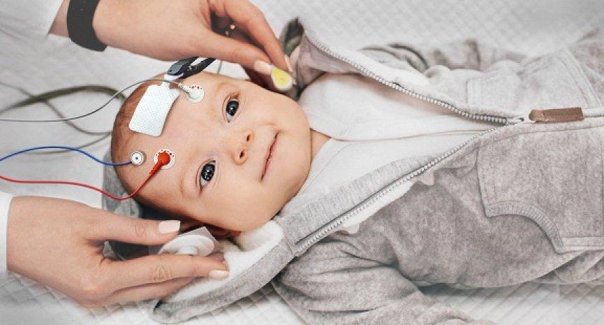 几岁才能睡过夜?Netflix《零到一岁》解释婴儿睡眠4个神秘现象