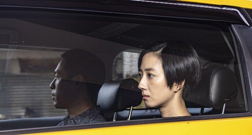 《阳光普照》编剧张耀升首度执导 桂纶镁寻《腿》旅程入选东京影展