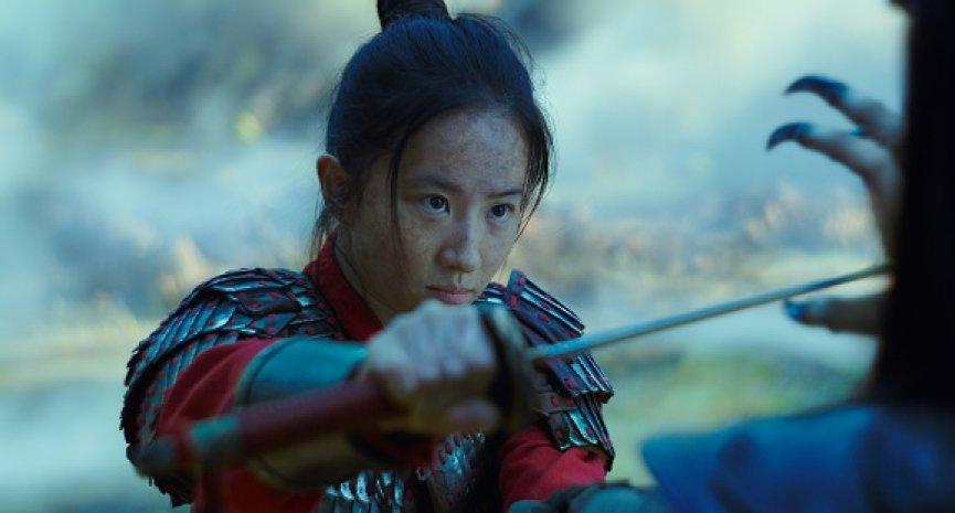 《花木兰》不受刘亦菲挺港警影响 卖座到让Disney+下载量爆增、消费支出飙193%