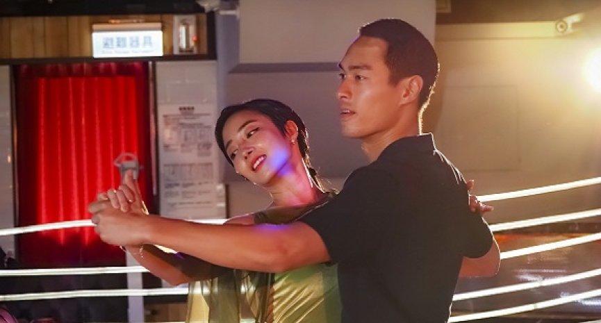 众星热烈推荐《腿》!双人舞让刘冠廷直喊浪漫