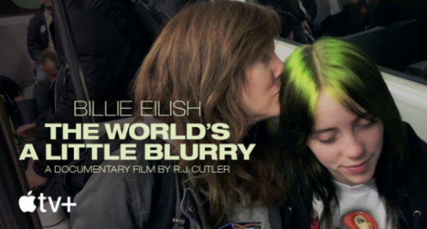 乐坛超级才女!《怪奇比莉 Billie Eilish:我眼中的迷蒙世界》真情分享17岁独特人生观
