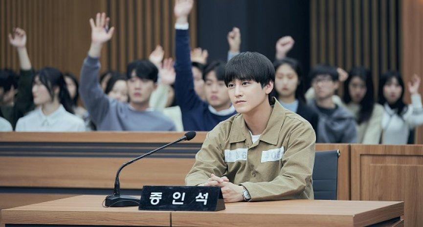 Netflix独家与韩同日更新《Law School》!最高学府卷入惊人命案